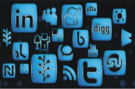 Politicos de las sedes a las redes sociales - Marketing Político en la Red