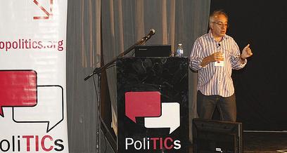 Alejandro Piscitelli en Foto Politics