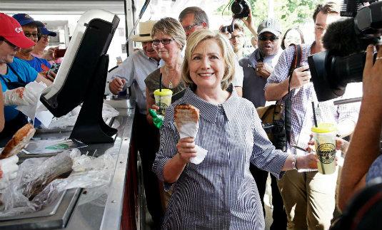 ¿Qué hacen los candidatos en una feria de granjeros