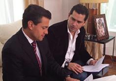 El presidente de México Enrique Peña Nieto y Juan Carlos Limón.